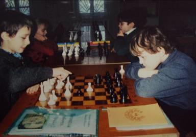 Фото: учащиеся специализированного шахматного класса на занятиях по шахматам. (Еременко Е., Усов И., Назароа И., Заблоцкая С.)